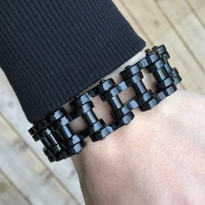 Other - 💎ONLY ONE💎Stainless Black Biker Chain Bracelet